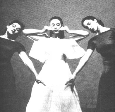 Martha Graham (Center), Anna Sokolow (right) and Sophie Maslow (left) \ Primitive Mysteries, (1935, Barbara Morgan)