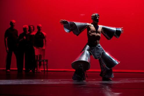 Alberto (Tito) Del Saz performs at the Alwin Nikolais Centennial. Photo by Whitney Brown.