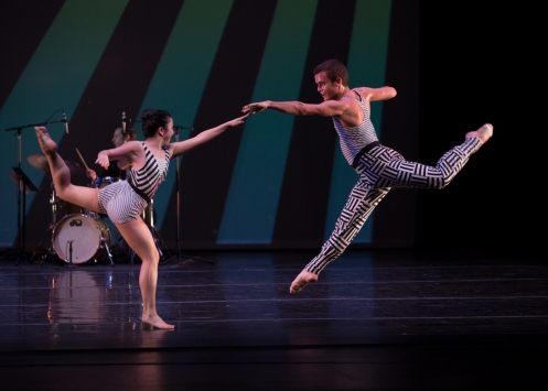 """Juilliard Dances Repertory Reed Tankersley & Kara Chan in Murray Louis' Four """"Brubeck Pieces (Opus 104)"""". Photo by Rosalie O'Connor"""