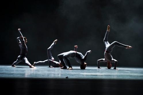 "Cedar Lake Contemporary Ballet in Adonis Foniadakis' ""Horizons"". Photo by Paula Lobo"