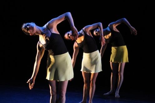 Alexander Berger, Emily Gayeski & Elisa Osborne with The Dušan Týnek Dance Theater (DT)2  in Dušan Týnek's Apian Way. Photo by Phyllis McCabe