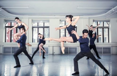 Cherylyn Lavagnino Dance in Cherylyn Lavagnino's Treize en Jeu (movements 1 & 2). . Photo by Phyllis McCabe