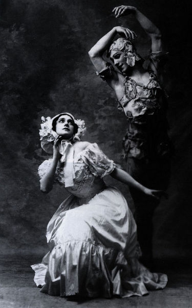 375px-Spectre_de_la_rose_karsavina_and_nijinsky_1911
