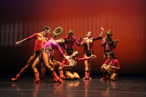"Lar Lubovitch Dance Co. in ""Crazy 8's"" Photo: Phyllis A. McCabe"