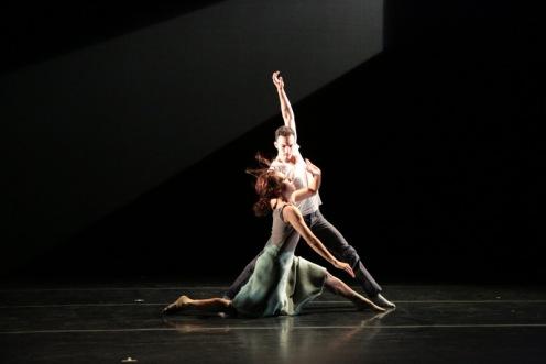 "Lar Lubovitch Dance Company's Nicole Corea & Reed Laplau in Katarzyna Skarpetowska's ""Listen"": Photo: Steven Schreiber"