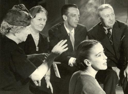 Helen Keller visits Martha Graham's studio. (1954) Image: Perkins School for the Blind Archive