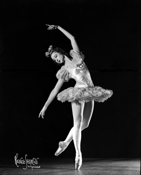 Alexandra Danilova as a star of Colonel de Basil's Ballet Russe, 1936. (Photo by Maurice Seymour. Courtesy of Ronald Seymour/Maurice Seymour Archive.)