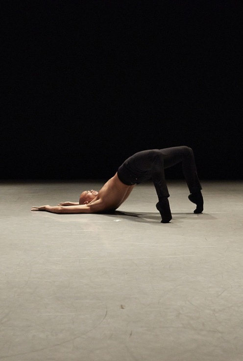 Complexions Contemporary Ballet's Terk Waters in Jae Mon Joo's Flight. Photo: Jaqlin Medlock