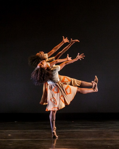 Dalila Leal & Joely Silva with DanceBrazil in Jelon Vieira's Fé Do Sertão. Photo: Sharen Bradford - The Dancing Image