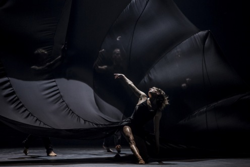 Ballet du Grand Théâtre de Genève in Andonis Foniadakis' Glory. Photo© Gregory Batardon