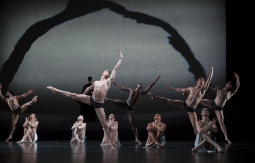 "Martha Graham Dance Company ""The Rite of Spring"" Photo: Sinru Ku"