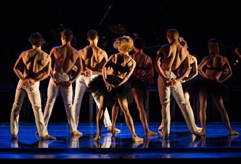"Cincinnati Ballet in Adam Hougland's ""Hummingbird in a Box"". Photo: Amy Harris"