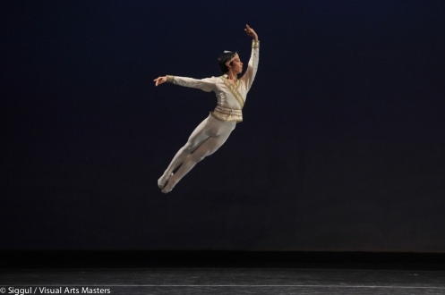 Harou Niyama, 17, won the YAGP Gold Medal for the Men's Senior Division and performed a Variation from Le Bayadere. Photo: SiggulVisual Arts Masters