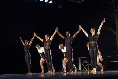 """Spectrum Dance Theater in Donald Byrd's """"Septet"""". Photo: Ethan Wu"""
