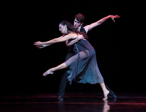 "Lar Lubovitch Dance Company's Mucuy Bolles & Barton Cowperthwaite in Lar Lubovitch's ""The Black Rose"". Photo: Yi-Chun Wu"