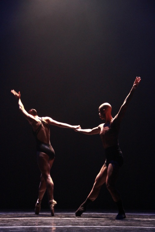 "Complexions Contemporary Ballet's Terk Waters & Kelly Sneddon in Dwight Rhoden's ""Head Space."" Photo: Melissa Bartucci"