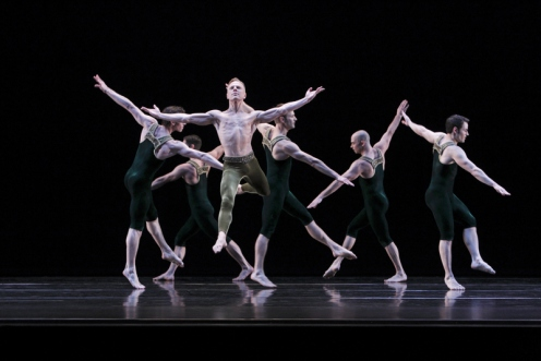"Paul Taylor Dance Company in Paul Taylor's ""Brandenburgs."" Photo: Paul Goode"
