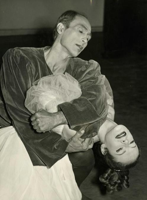 "José Limón & Betty Jones in José Limón's ""The Moor's Pavane"" from 1949. Photo: Barrat"